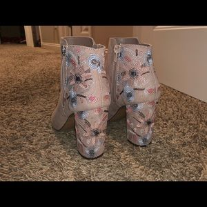 NWOT Floral Nude Heels